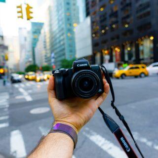 Canon EOS M50 mit Kit-Objektiv EF-M 15-45mm F3.5-6.3 IS STM